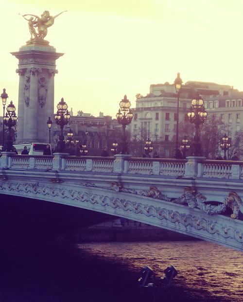 Lumière sur le pont Alexandre III