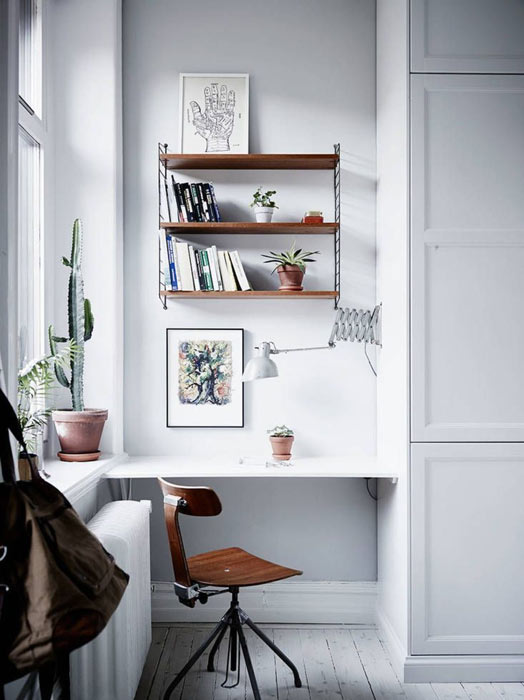 Laissez entrer la lumière naturelle pour une déco de bureau réussie