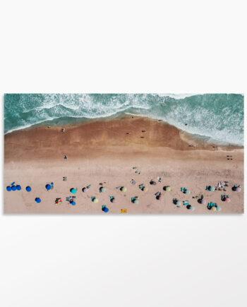 Photo vue du ciel – Parasols et océan